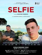 Trailer Selfie